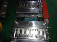Hot Runner Mold 11